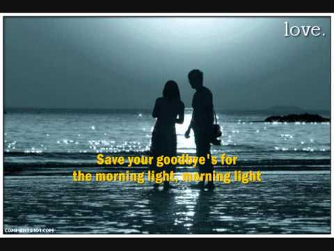 JAMES TAYLOR -  Don't Let Me Be Lonely Tonight (with lyrics)