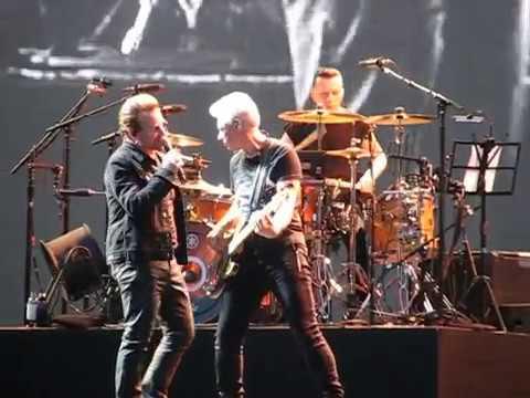Bono telling Adam's expecting a baby @ a U2 gig (Twickenham Stadium, 2017)