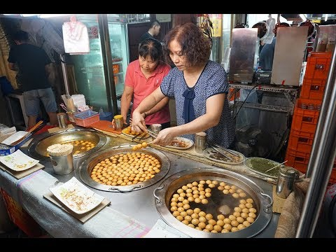 BEST Taiwan STREET FOOD & NIGHT MARKET in Kaohsiung!