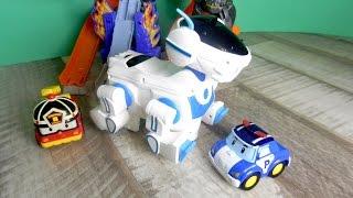Робокар поли и Робот собака. Видео для детей с игрушками(Смотрите наше новое видео с игрушками Робокар Поли. Сегодня к ним приземлился очень странный гость на летаю..., 2015-12-09T08:47:47.000Z)