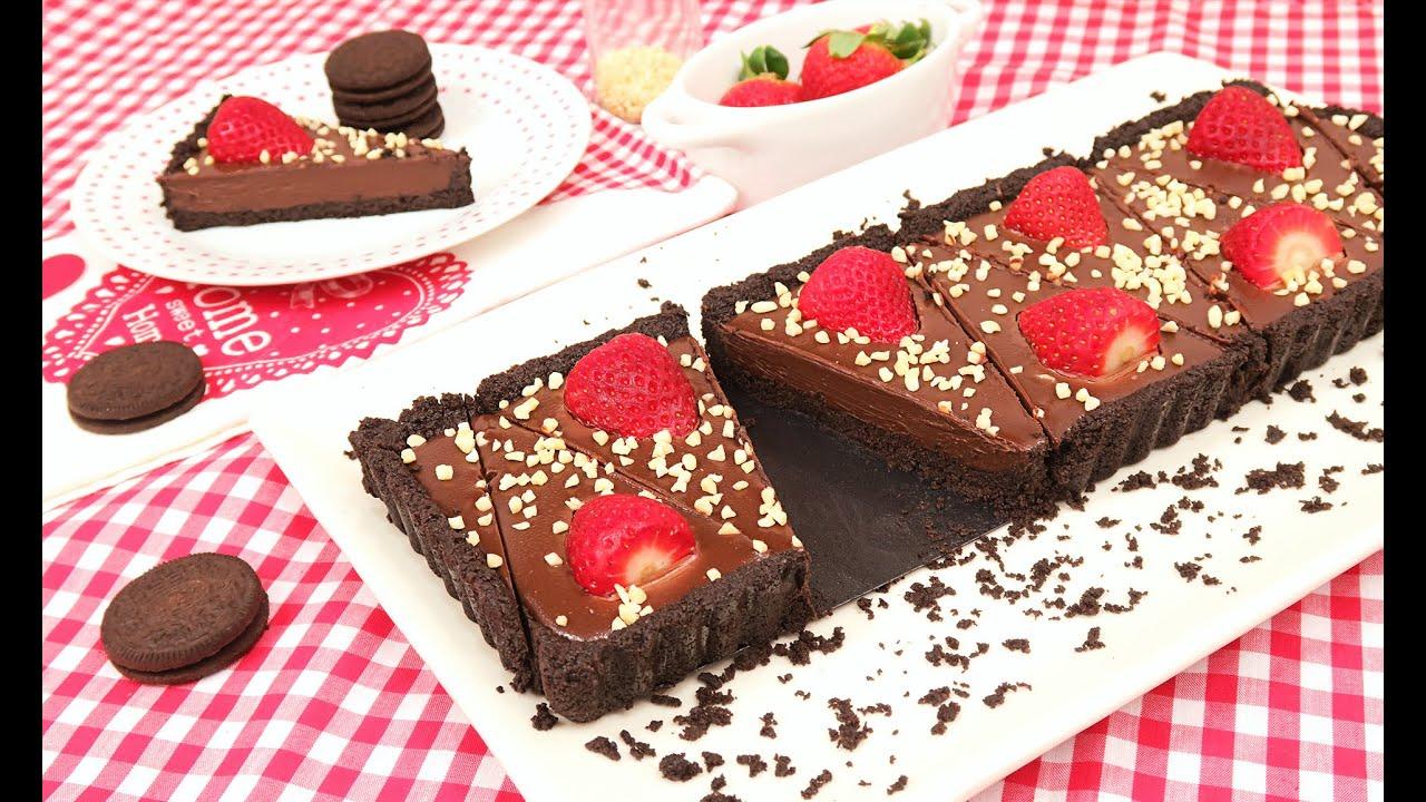 Chocolate Oreo Strawberry Cake