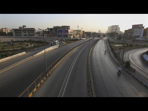 قبل أيام من عيد الفطر.. باكستان تفرض إغلاقا شاملا لمواجهة الموجة الثالثة من كورونا…  - نشر قبل 13 ساعة