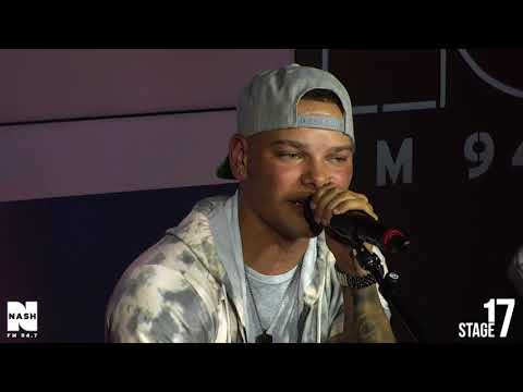 """Kane Brown - """"What Ifs"""" LIVE From Stage 17!"""