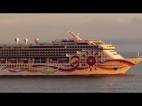 "Passenger Ship /Cruise ""NORWEGIAN SUN"" /Bulk Carrier Ship ""BERGEN"" #PuntaIndioChannel #RioDeLaPlata"