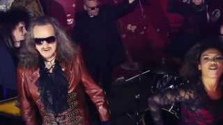 Dr & The Medics, You Spin Me Round (Like a Record)