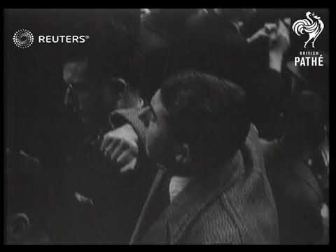 FRANCE: SHOTS OF THE STOCK EXCHANGE IN PARIS. (1937)