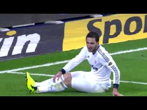 Gonzalo Higuaín vs Barcelona HD