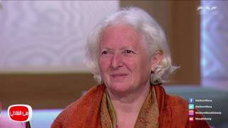 معكم منى الشاذلى - لقاء مع السيدة ديدي الالمانية وحكايتها مع أطفال عزبة البحاورة في العياط