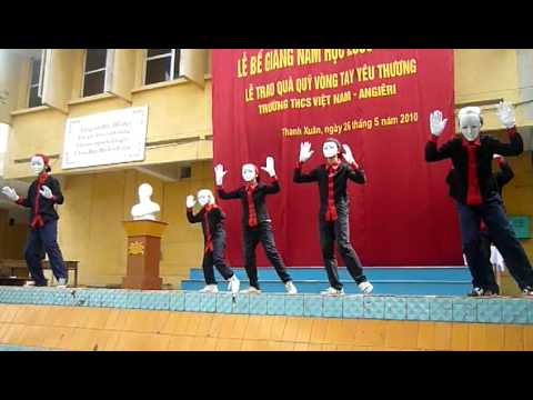 Trường Việt Nam - Angiêri Bế giảng năm học 2009-2010 - 8A