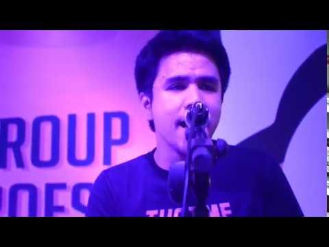 Pee Wee Gaskins - Kertas Dan Pena Accoustic Live at Gedung Telkom Bandung
