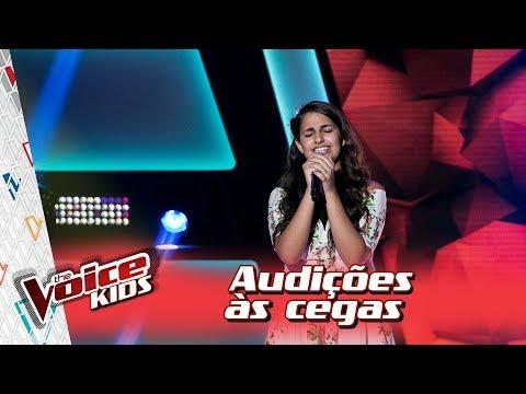 Livia Bernarde canta 'Além do Arco Íris' na Audição – 'The Voice Kids Brasil'   3ª Temporada