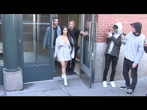 Kim Kardashian leaving her appartment in NYC