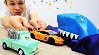 Детское видео с игрушками: приключения для детей! Машинки отправились на сафари! Как добывают нефть?