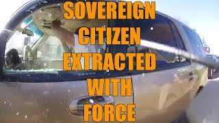 Sovereign Citizen Extracted From Vehicle With Force On Video - LEO Round Table 2019 S04E15b