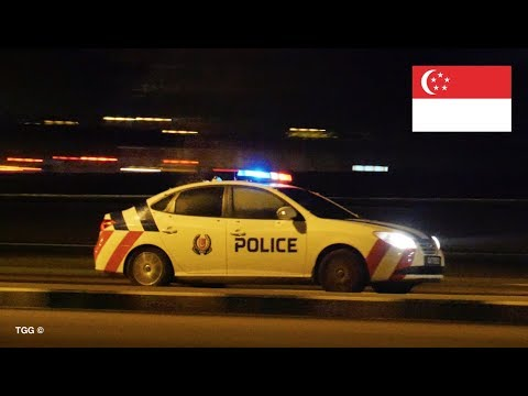 *RARE* Singapore Police Car Responding With Lights [NEW Livery]