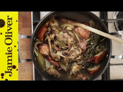 How to make chicken broth from roasted bones