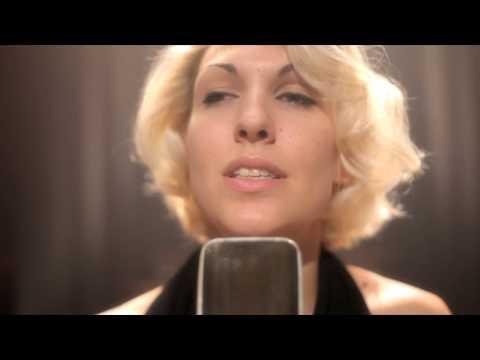 Karen Souza - Do You Really Want to Hurt Me? (Live)