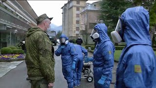 В Италии на пике пандемии наши военные медики, в Америку прибывает самолет с помощью от России.