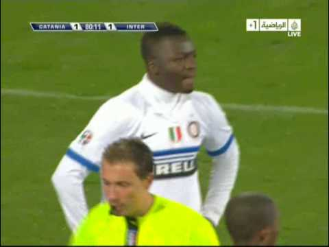 Sulley Muntari Stupidity - Catania 3 - 1 Inter Milan
