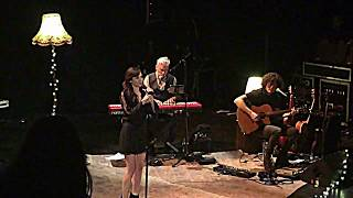 Natalie Imbruglia ~ I will follow you into the dark (Live in Paris)