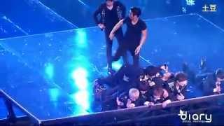 HQ fancam 120414 SS4 Shanghai Miracle Super Junior human mountain pile