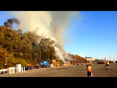 Fire Fighting Helicopters in Action - Los Angeles Fire Department