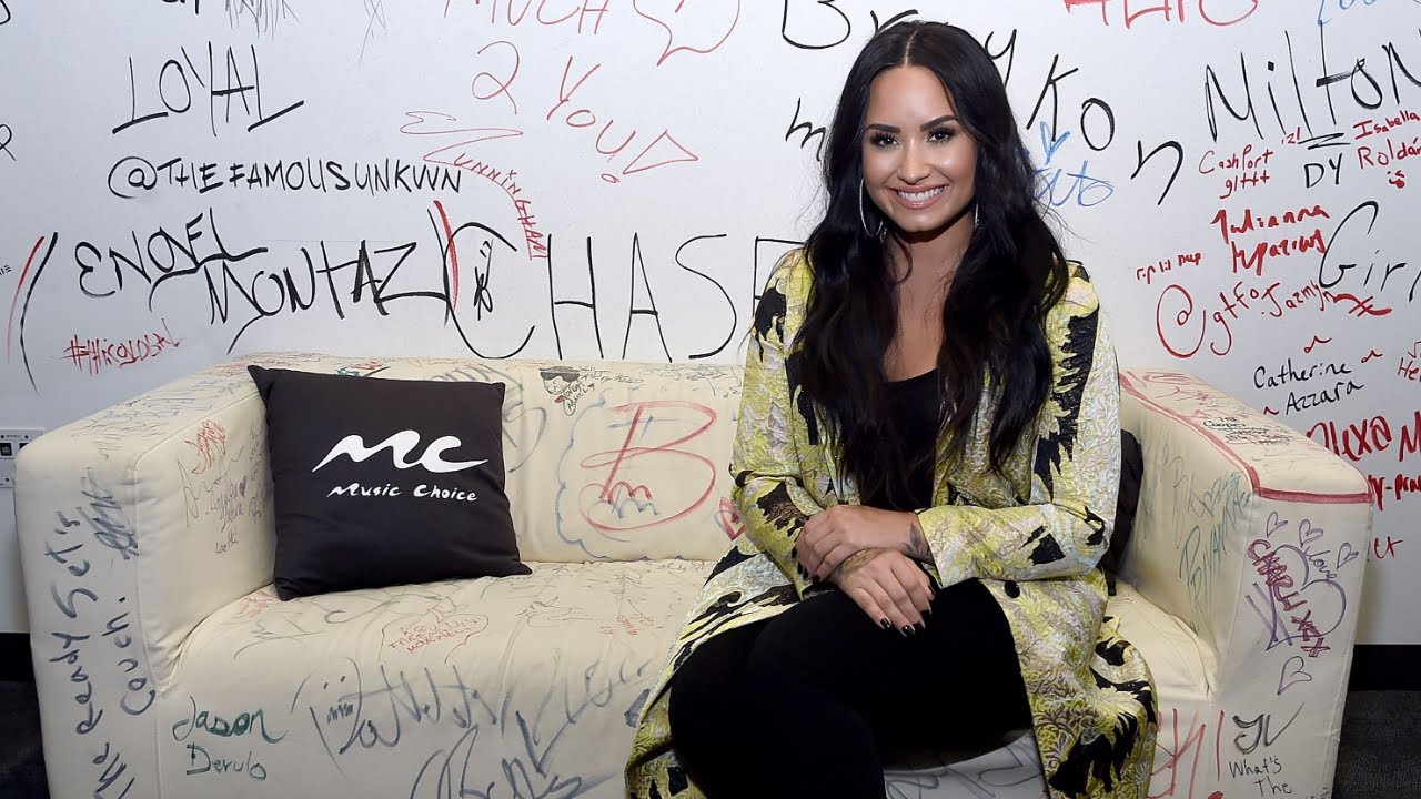 Demi Lovato's Snapchat hacked, alleged nude photos leaked online