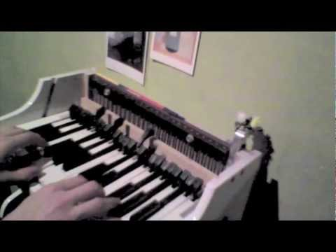 toy piano -