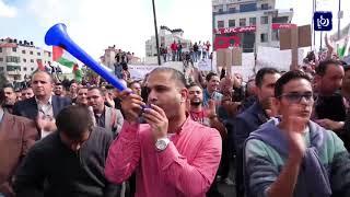 الفلسطينيون يواصلون إضرابهم ضد قانون الضمان الاجتماعي - (12-11-2018)