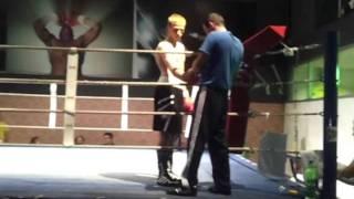 1.Punch boxgala Kevin Still