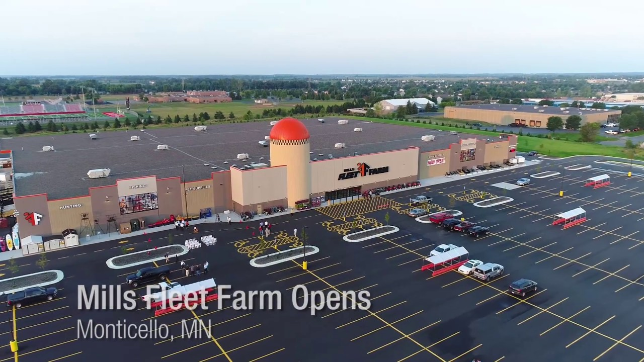 Opening Day At Mills Fleet Farm In Monticello Youtube