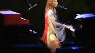 Tori Amos Wednesday live