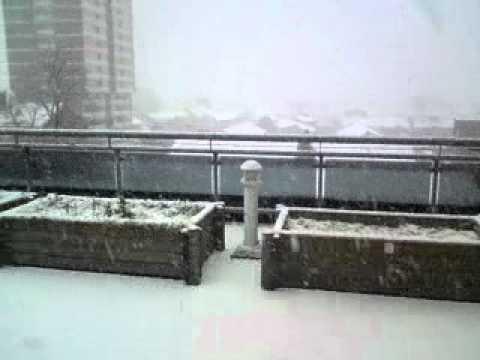 Snow in Stratford, East London - 18th December 2010