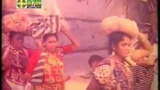 Download Koto Valobashi Ami Tomake.Runa Laila & Andru Kishor(RaDiO bg24) MP3 song and Music Video