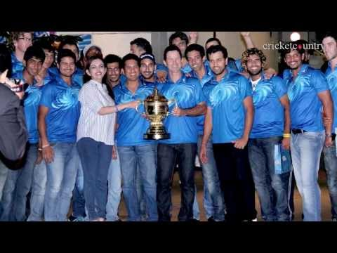 Mumbai Indians celebrate IPL 2013 victory at Ambani's residence