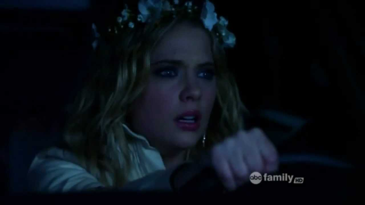 Download Pretty Little Liars - 2x25 - Season Final - A is revealed ! - Unmasked (French subtitles available)