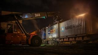 بالفيديو.. لأول مرة ميرسك العالمي ينقل 120حاوية بالسكة الحديد