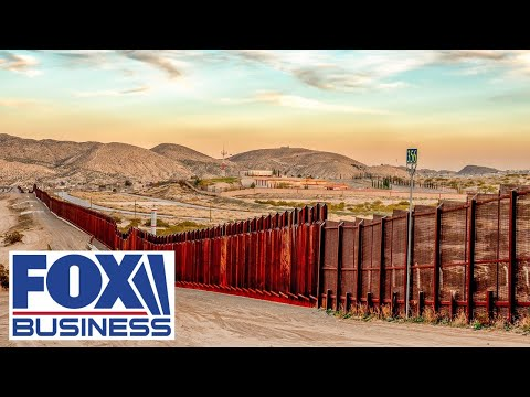 Judge orders reinstating 'remain in Mexico' border policy