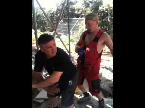 видео гей строители