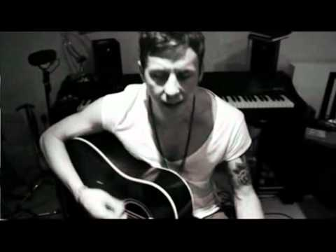 McFLY - Danny Jones playing Mr. Writer ( Stereophonics Cover)