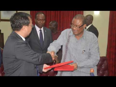 China Donates 55,000 Bags Of Rice To Sierra Leone