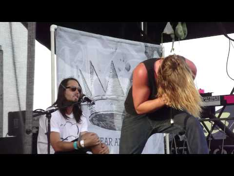 In Fear and Faith  - Live Love Die (Live Love Redux Breakdown) (Live 2010 Warped Tour)