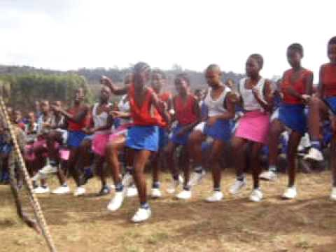 Kwa-Zulu Natal - Traditional Girls Dance