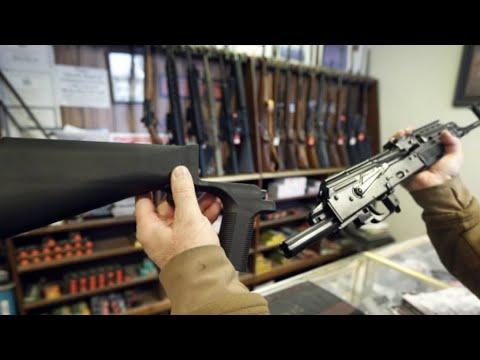 """Contrôle des armes automatiques : Donald Trump prêt à interdire les """"bump stock"""""""
