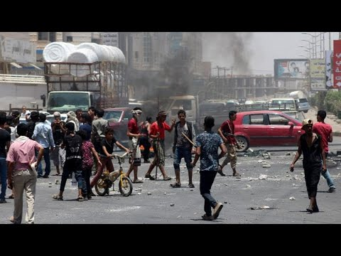 فيديو | احتجاجات على الأوضاع المعيشية المتردية في عدن