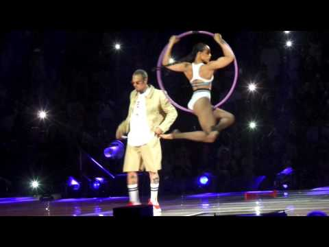 Chris Brown Live In St Paul Minnesota - Liquor - Grass Ain't Greener