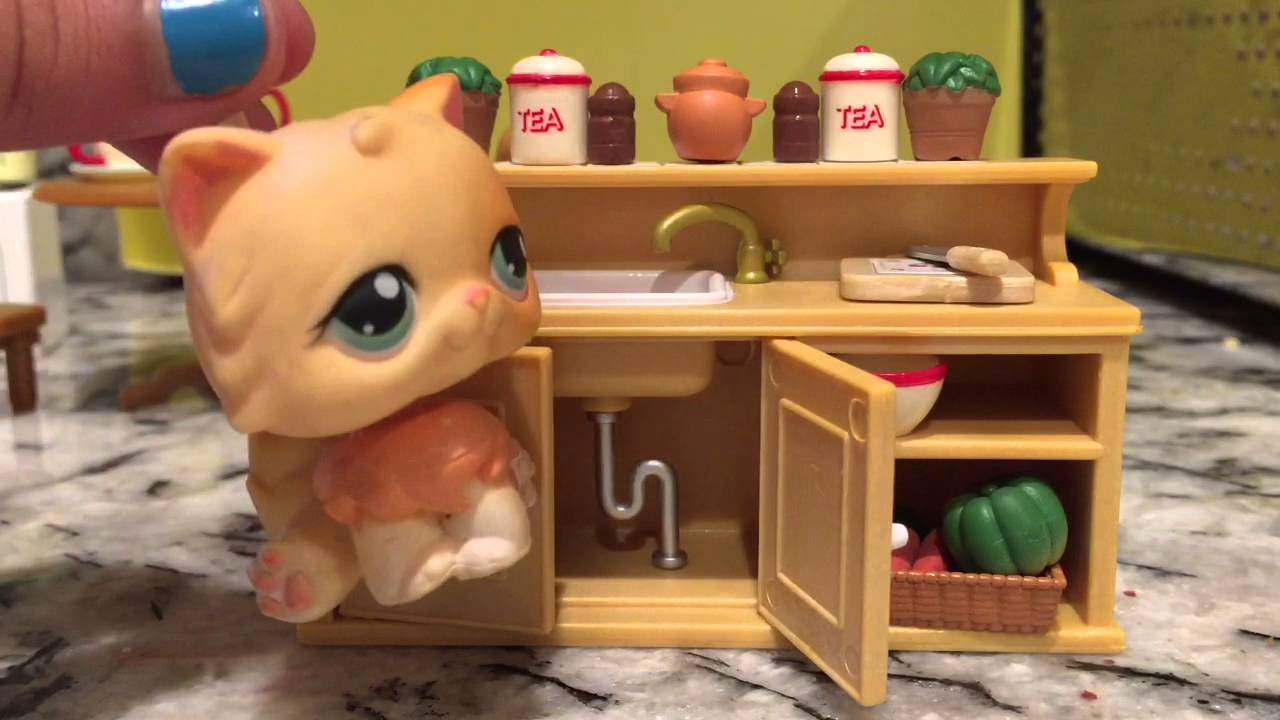 Lps- Calico Critters Deluxe kitchen Unboxing! - YouTube