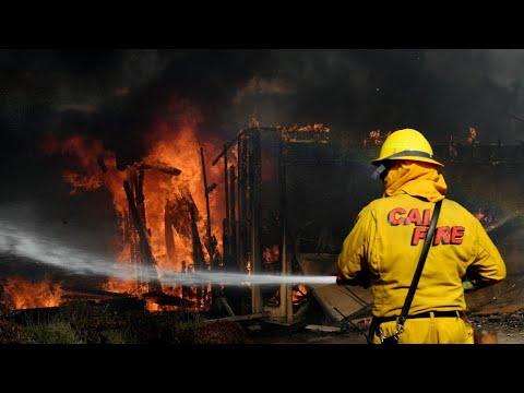 حريق توماس من أكبر الحرائق في كاليفورنيا منذ1932  - نشر قبل 2 ساعة
