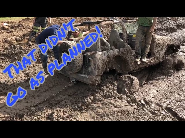 Jeep Loses Its Rear Axle In A Mud Bog!