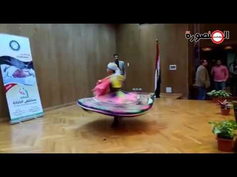 """طفل يرقص ب """"التنورة"""" باحتفالية جامعة المنصورة بيوم الطفل المبتسر thumbnail"""